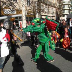 Costumes de chevalier et dragon en ballons